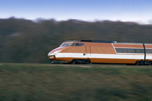 Essais en ligne de la rame TGV-001 entre Vesoul et Belfort, premier modèle de TGV roulant avec une turbine à gaz, 1972, photo : SNCF