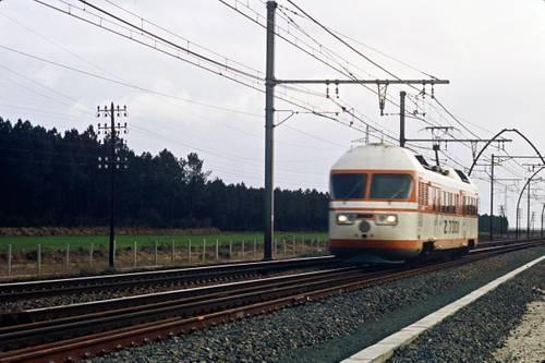 Marches d'essai de la rame automotrice expérimentale Zébulon (Z 7001) dans les Landes, 1972, photo : SNCF